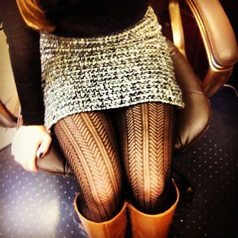 patterned tights how to wear 20 style tips on how to wear patterned tights gurl com