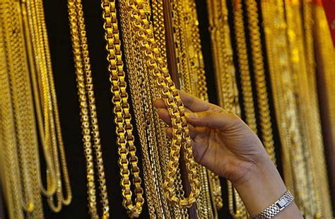 Bangle Hongkong 24k 10 730 Gram gold prices take a dive but where are the buyers rediff business