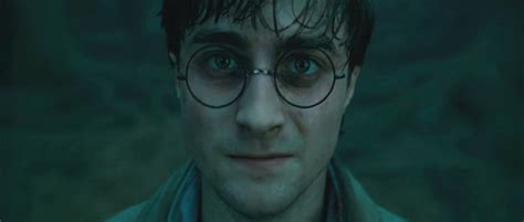 daniel radcliffe harry potter deathly hallows photo of daniel radcliffe portraying quot harry potter quot from