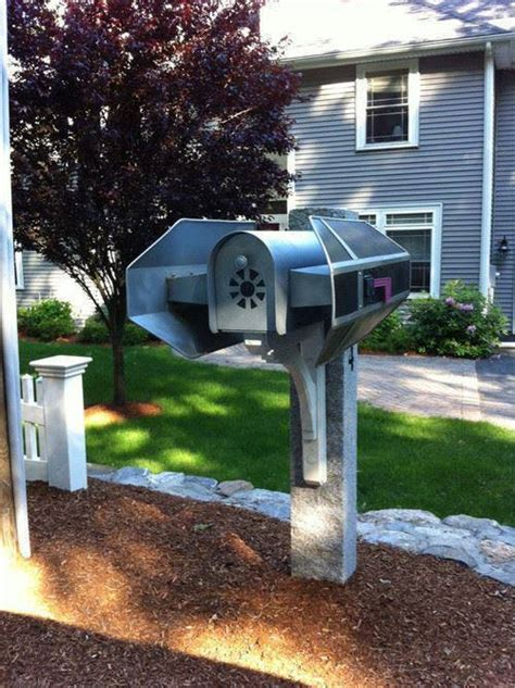 Wars R2 D2 Starring In The Cutest Mailbox by An Awesome Wars Tie Bomber Mailbox Global News