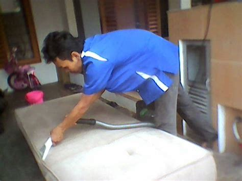 cuci sofa bangun kiswara sofa
