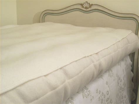 60x80 bed organic eco wool puddle pads and mattress protectors