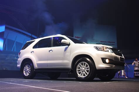 Lu Fortuner launch report toyota hilux and fortuner the about