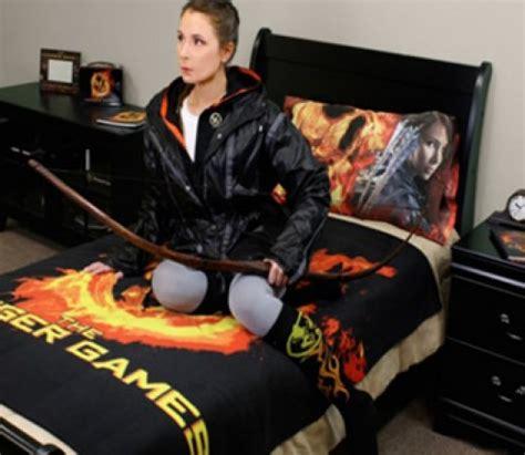 The Hunger Games Themed Bedroom | hunger games bedroom