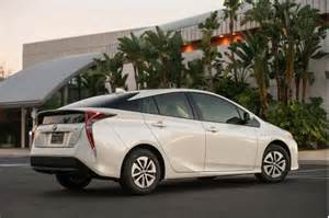 Toyota Ford Connected Car 2017 Ford C Max Vs 2017 Toyota Prius Compare Cars