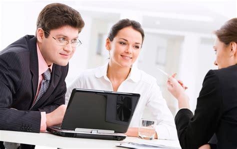 impiegato di agenzia pubblicitaria cerca impiegati da assumere