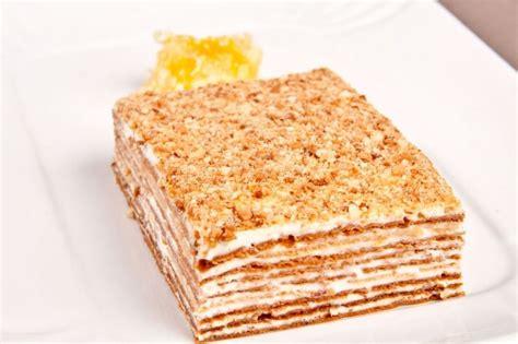kuchen mit honig backen mit dem rezept f 252 r einen layer honig kuchen l 228 sst sich ein