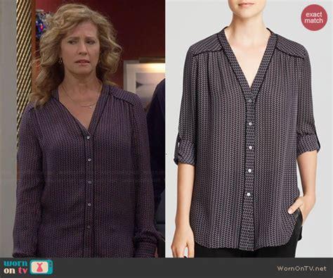 Travis Blouse wornontv vanessa s geometric printed v neck blouse on