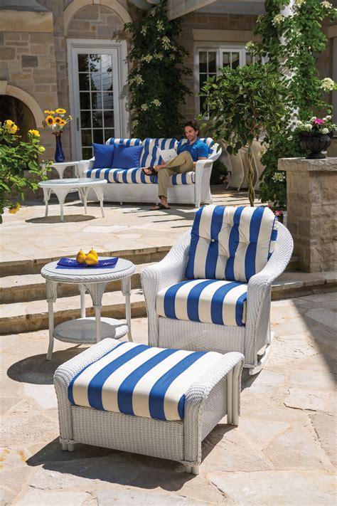 lloyd flanders blue  white stripe outdoor room