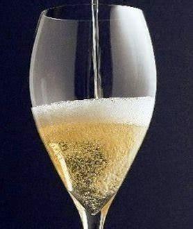 bicchieri prosecco calice franciacorta bello ma perlage non pervenuto