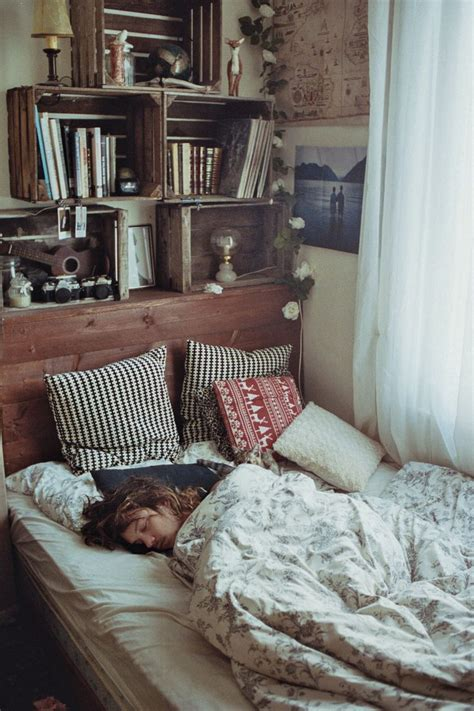 25 best ideas about urban outfitters room on pinterest best 25 vintage dorm ideas on pinterest bedroom vintage