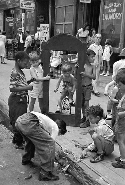 my sicilian american in new york city books helen levitt s photographs of nyc children alpha