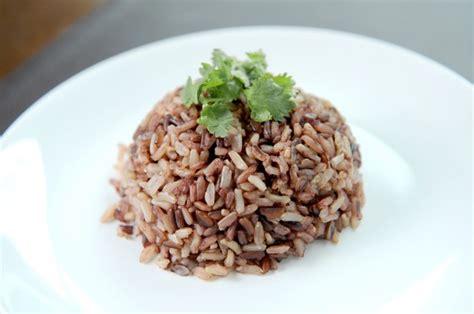 berapa  sih porsi makan nasi   kamu santap