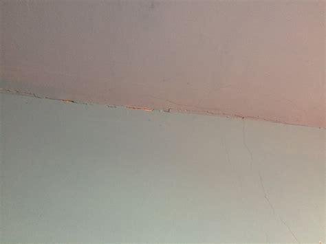 crepe nel soffitto forum arredamento it crepe nel soffitto dalle fotografie
