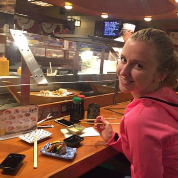 sushi boat restaurant los angeles sushi boat restaurant closed 528 photos 577 reviews