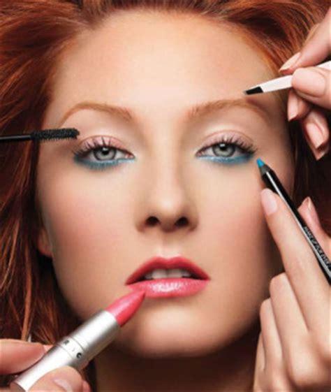 Eyeshadow Yg Cocok Untuk Kulit Gelap cara makeup untuk kulit gelap