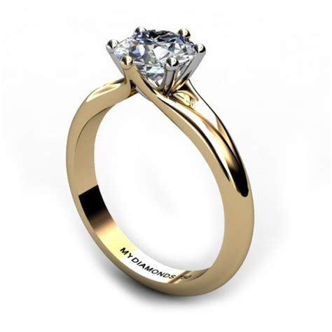 solitaire engagement ring with wedding band