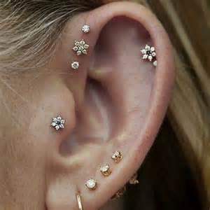 20 stupende idee per piercing all orecchio a cui ispirarsi