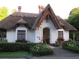 pictures of cottages in ireland thatched cottage killarney national park killarney