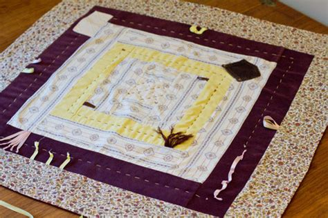 Monkey Patchwork Baby Quilt Sewing Projects Burdastyle - patchwork baby quilt play mat in purple yellow for
