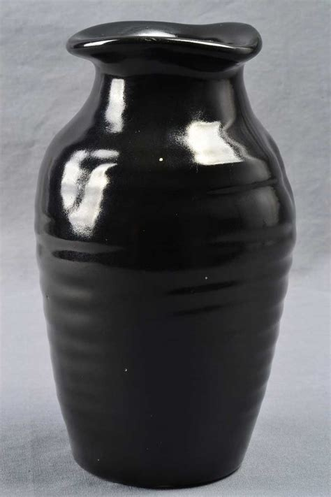 Camark Pottery Vase by Camark Pottery 1920 30 Mirror Black Ribbed Pinched