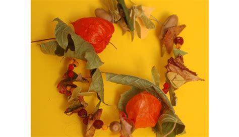 Basteln Herbst Mit Naturmaterialien 3656 by Ketten Aus Naturmaterialien Basteln Herbstlicher