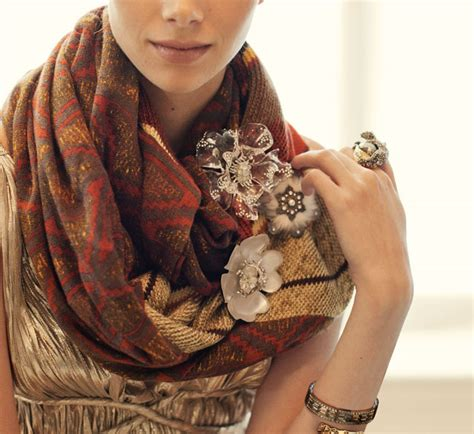 Ways To Wear A Brooch by Brooches 9 Ways To Wear Fall S Sharpest Accessory