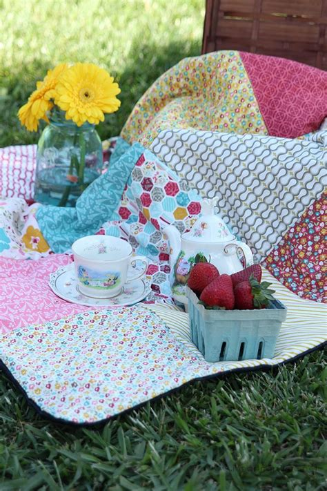 1000  ideas about Picnic Quilt on Pinterest   Quilts