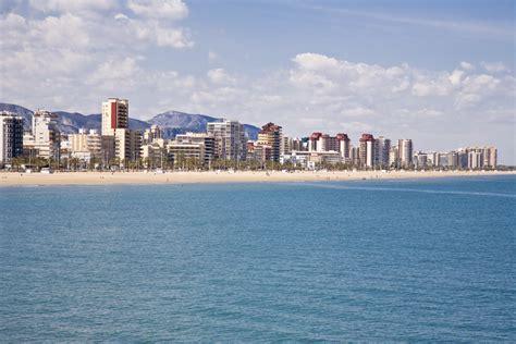 de los apartamentos turisticos de la playa de gandia son alquilados de forma fraudulenta