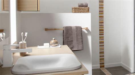 Beau Schmidt Salle De Bains #2: 07437025-photo-porte-serviettes-salle-de-bains.jpg