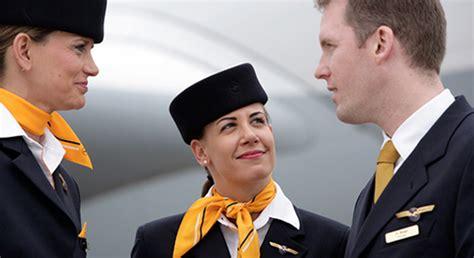 lufthansa cabin crew lufthansa cabin crew union threatens travel