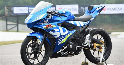 Suzuki Riders Suzuki Racing