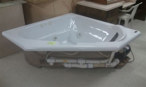 corner tubs for sale corner tub in annville pa diggerslist