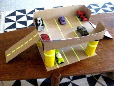 como hacer carrito con material reciclable juguetes juguetes con materiales reciclados