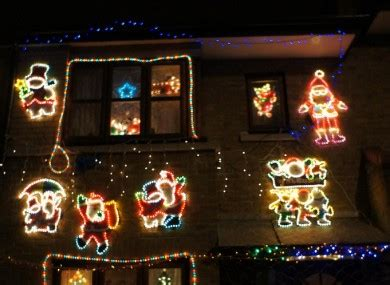 vote when should the christmas decorations go up