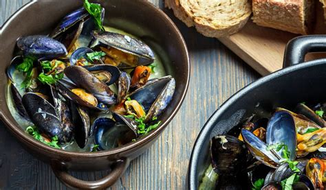 come si cucinano le cozze alla marinara cozze alla marinara un classico della cucina di mare