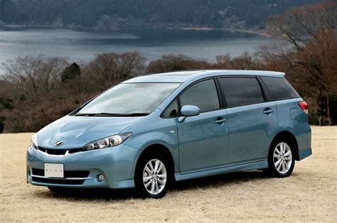 Toyota Wish 2020 Japan by 2009 Toyota Wish Debuts In Japan Autoevolution