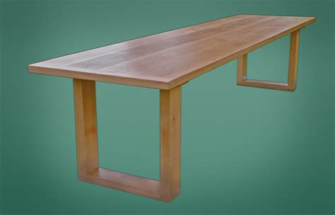 bespoke oak dining table from the oak pine barn hshire