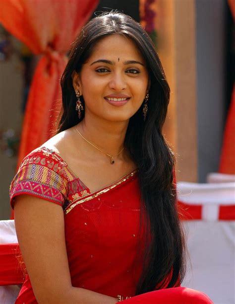 Anushka Shetty Wardrobe by South Indian Anushka Shetty In Saree