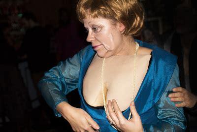 Angela Dres juliepotratz