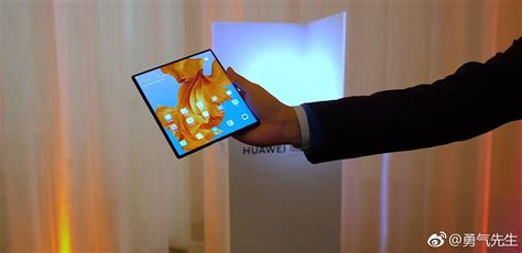 folding huawei mate x looks amazing in new handson