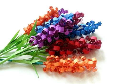 How To Make Flowers With Construction Paper - diy swirly paper flowers
