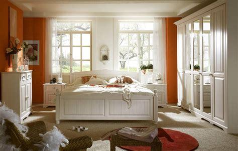 schlafzimmer wei landhausstil schlafzimmer komplett landhausstil wei 223 deutsche dekor