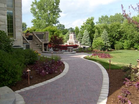Building Hardscapes for Curb Appeal and Increased Property