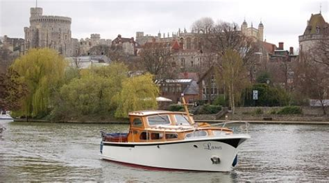thames river cruise disabled access take an autumnal river thames cruise on a chartered boat