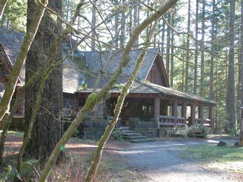 Silver Creek Falls Cabins by Silver Falls State Park