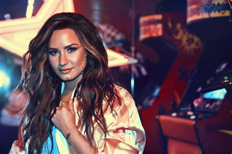 demi lovato sorry not sorry today show celebs show support for demi after being hospitalized