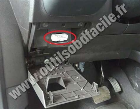 scan my port obd2 connector location in ford escape 2013