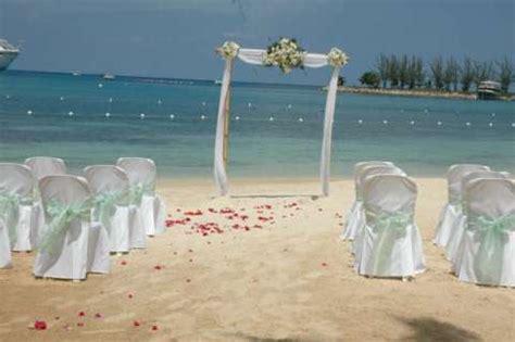 Wedding Decoration: Elegant Beach Wedding Decorations Designs