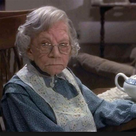 imagenes groseras de abuelas 20 abuelas que ofenden a sus nietos de cualquier manera